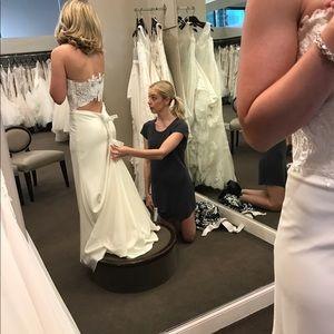 Paloma Blanca 2017 wedding dress